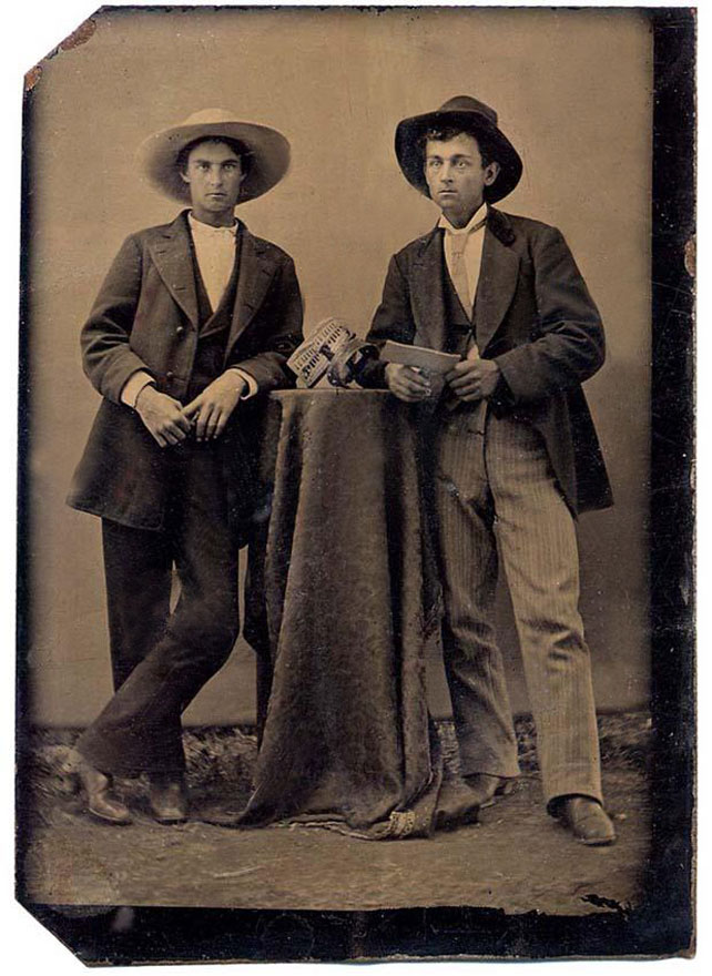 cowboys with stereoviewer